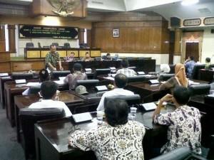 Hearing Komisi A