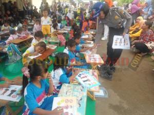 Lomba mewarnai melibatkan sekitar 100 siswa TK Gugus 2 Tuban