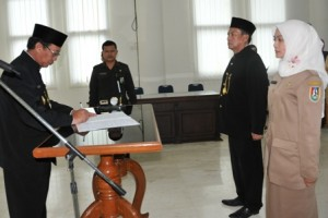 Bupati Tuban saat proses pelantikan pejabat baru