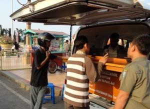 Pelyanan Samsat Keliling di alon-alon Tuban beberapa waktu lalu