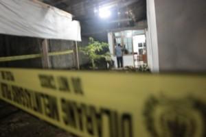 Rumah korban dipasang garis polisi