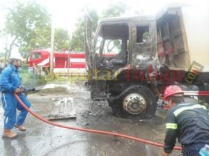 Api dapat dipadamkan 3 mobil pemadam kebakaran