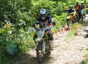 Kapolres Tuban saat mengendarai trailnya dikawasan hutan Perhutani KPH Jatirogo