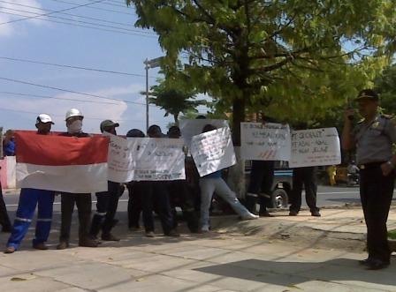 Demo pekerja subkontraktor pertamina
