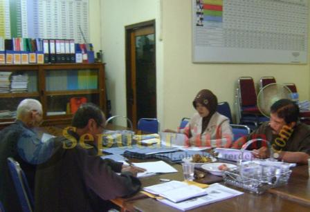 KPU rapat