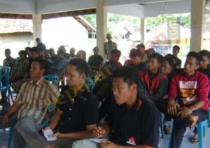 Pemuda Kartar Di Balai Desa
