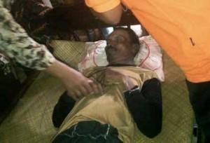 TERSENGAT : Korban tewas saat di rumah duka