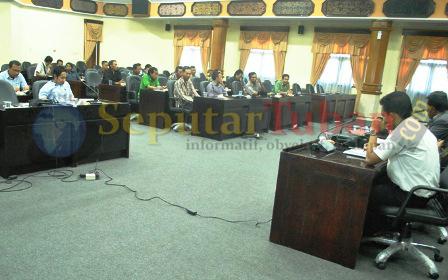 TETAP BUNTU : Hearing kasus tanah Gaji di DPRD Tuban