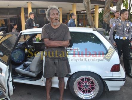 Kakek Gila Curi Mobil Sedan