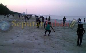 ngabuburit pantai Tuban
