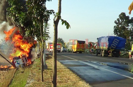 mobil tangki bbm terbakar