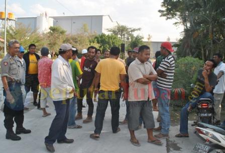 unjuk rasa pekerja BDI Tuban