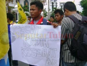 salah satu tuntutan aktivis PMII