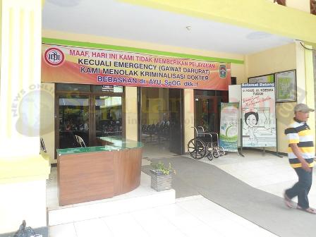 Protes Kriminalisasi Dokter Tuban