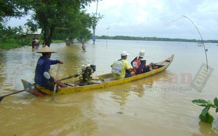 Banjir bengawan solo widang