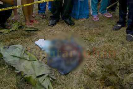 GEGERKAN WARGA : Inilah orok bayi yang ditemukan warga