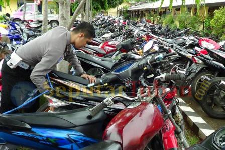 Malam tahun baru, Sepeda motor disita Polisi