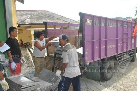 Pengiriman Logistik KPUD Tuban