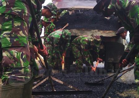 TNI Perbaiki Pantura