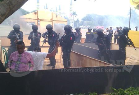 Aksi penyelamatan sandra KPUD Tuban