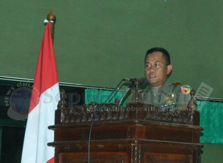 LEBIH DEKAT : Dandim 0811 Tuban, Letkol Kav. Rahyanto Edy Yunianto saat menyampaikan sambutan