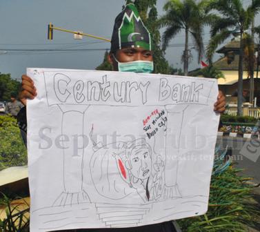 BOM WAKTU : Kasus Bank Century juga dikritik mahasiswa karena dinilai belum tuntas