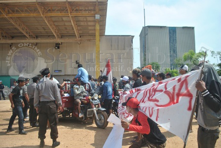 Demo Semen Indonesia