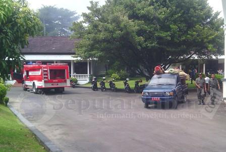 HEBOH : Mobil Pemadan Kebakaran (MPK) Pemkab Tuban saat di komplek Pendopo Krido Manunggal karena dikira terjadi kebakaran