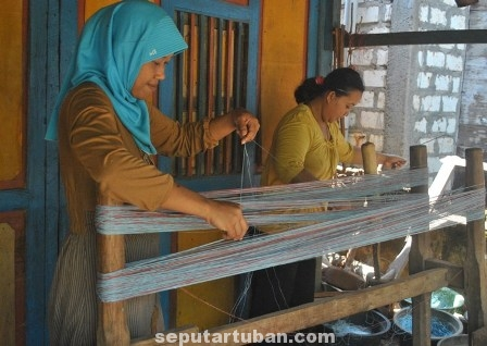 Belajar Tenun Tuban