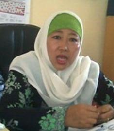 HENY INDRIANA: Memang UN tahun ini selalu ada kejutan. Sebelumnya pada  soal nomor 13 pelajaran Bahasa Indonesia untuk tingkat SMA ada soal kutipan tentang Jokowi. Untuk kali ini pada soal nomor 13 tambah tidak ada.