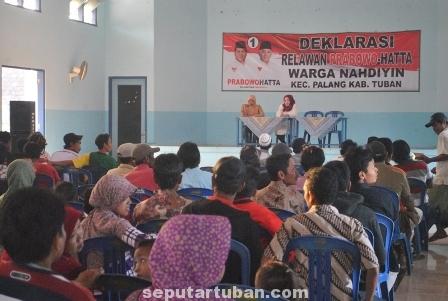 BEDA PILIHAN : Warga Nahdliyin Kecamatan Palang mendeklarasikan dukungan kepada pasangan Prabowo-Hatta