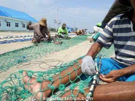 ALIH FUNGSI : Lokasi TPi Bancar digunakan nelayan untuk lahan perbaikan jaring