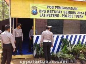 BLACK SPOT : Kapolres Tuban, AKBP Ucu Kuspriyadi saat di Pos Jati Peteng, Kecamatan Jenu, Senin (21/7/2014) siang