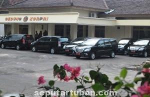 LARANGAN PEJABAT : Mobil-mobil dinas Pemkab Tuban ini dilarang dipakai untuk aktivitas lebaran diluar kedinasan