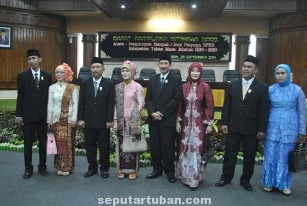 Pimpinan DPRD Tuban bersama istri