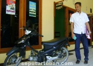 PELAMPIASAN : Barang bukti sepeda motor Titan diamankan petugas di Mapolres Tuban
