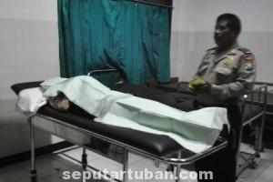 TABRAKAN SEPEDA : Jasad korban meninggal dunia saat di Puskesmas Kerek