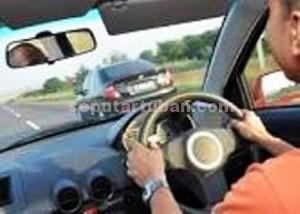ilustrasi mengemudi