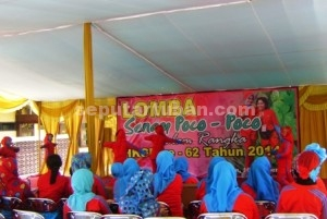 MERIAH : Keluarga besar Bhayangkari Tuban menggelar lomba poco-poco untuk memperingati HKG Bhayangkari ke 62