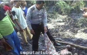MENGENASKAN : Kondisi korban ditemukan dalam keadaan tidak bernyawa dan terbakar disekujur tubuhnya
