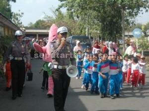 SERU : Suasana open hous Sat Lantas Polres Tuban dengan anak usia dini