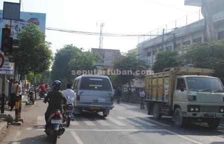 traffic light rengel mati