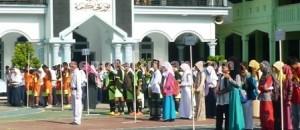 AJANG KOMPETISI: Para duta dari  berbagai MTS di Kabupaten Tuban saat mengikuti upacara  pembukaan Aksioma di MTS Negeri Tuban, Selasa (16/12/2014) pagi.