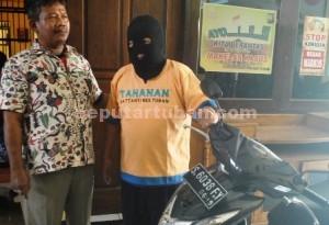 PENGGELAPAN: Arief Sudianto, karyawan PLN Bojonegoro, dan sepeda motor milik teman wanitanya yang diembat.