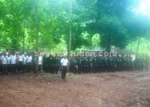 SELAMATKAN LINGKUNGAN : Para peserta reboisasi saat mengikuti apel pembukaan penanaman pohon