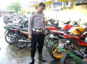 TINDAKAN TEGAS : Sepeda motor yang ditilang dapat diambil pemiliknya, namun harus dikembalikan standar terlebih dahulu