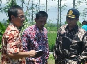 PERTAMA BLUSUKAN : Bupati Tuban mengawali program buluskan dari Desa Cangkring, Kecamatan Plumpang, Kabupaten Tuban