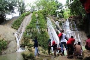 TAK MASUK PROMOSI: Air terjun Bongok di Dusun Kerokan, Desa Jetak, Montong, yang diharapan warga untuk menjadi objek wisata alam. foto: WANTI TRI APRILIANA