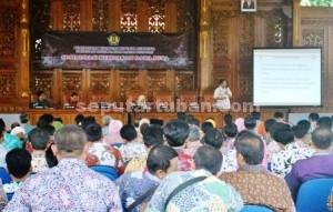 DIPAHAMKAN : Sosialisasi penggunaan dana desa di Pendopo Kridho Manunggal Pemkab Tuban