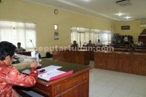 HIKMAT : Suasana tes tulis calon Panwaskab Tuban, Sabtu (11/04/2015)
